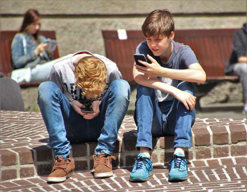 Young people adapt to apps like ducks to water